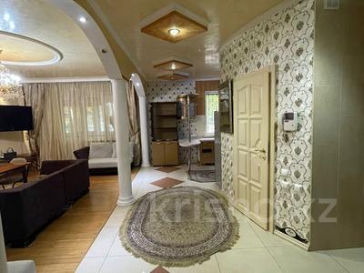 3-комнатная квартира, 96 м², 1/9 этаж на длительный срок, мкр Кулагер, Серикова — Казыбаева за 300 000 〒 в Алматы, Жетысуский р-н