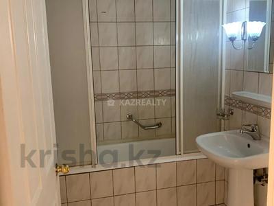 2-комнатная квартира, 70 м², 5/9 этаж, Мкр Самал за 26 млн 〒 в Нур-Султане (Астана), Сарыарка р-н — фото 6