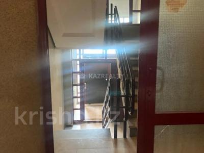 2-комнатная квартира, 70 м², 5/9 этаж, Мкр Самал за 26 млн 〒 в Нур-Султане (Астана), Сарыарка р-н — фото 8