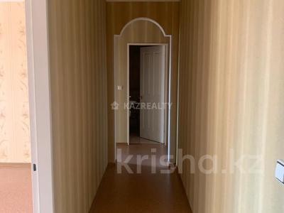 2-комнатная квартира, 70 м², 5/9 этаж, Мкр Самал за 26 млн 〒 в Нур-Султане (Астана), Сарыарка р-н — фото 4