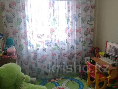 4-комнатная квартира, 78 м², 9/9 этаж, Язева 8 за 16 млн 〒 в Караганде, Казыбек би р-н — фото 7