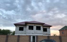 9-комнатный дом, 390 м², мкр Михайловка , Жанибекова за 45 млн 〒 в Караганде, Казыбек би р-н