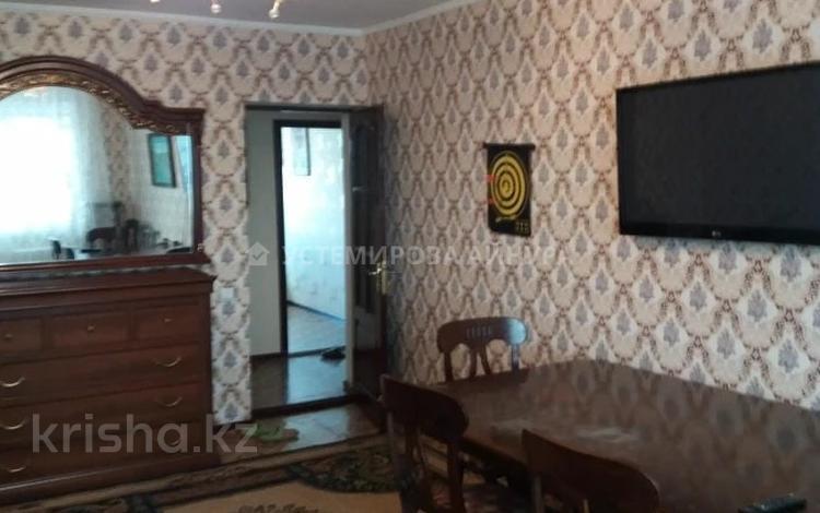 3-комнатная квартира, 60 м², 3/5 этаж, Биржан Сала 6 за 15.5 млн 〒 в Нур-Султане (Астана), Сарыарка р-н