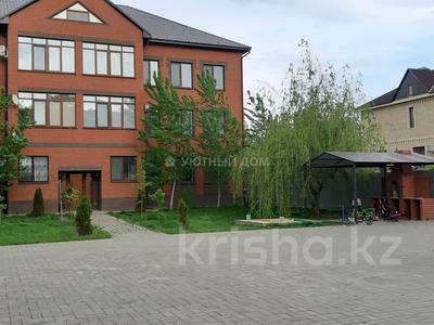 3-комнатная квартира, 124 м², 1/3 этаж, Кердери 122 за 36 млн 〒 в Уральске — фото 2