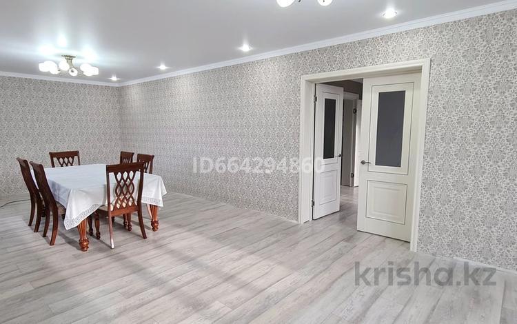 6-комнатный дом, 234 м², 10 сот., улица Яглинского 49 за 40 млн 〒 в Макинске