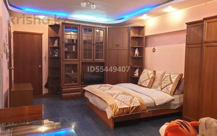 1-комнатная квартира, 36 м², 3/8 этаж помесячно, мкр Самал-1 6 — Жолдасбекова за 150 000 〒 в Алматы, Медеуский р-н