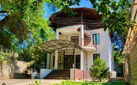 6-комнатный дом помесячно, 220 м², 6 сот., мкр Самал-3, Сырмак за 780 000 〒 в Алматы, Медеуский р-н