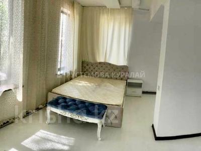6-комнатный дом помесячно, 220 м², 6 сот., мкр Самал-3, Сырмак за 750 000 〒 в Алматы, Медеуский р-н — фото 8