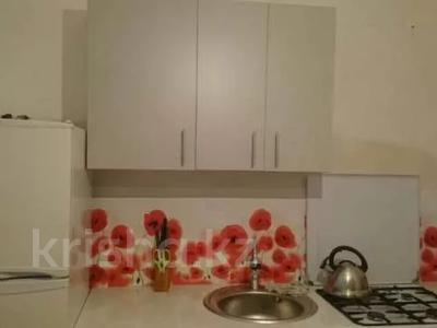 1-комнатная квартира, 43 м², 2/9 этаж помесячно, 5 мкр 20 за 80 000 〒 в Аксае — фото 3