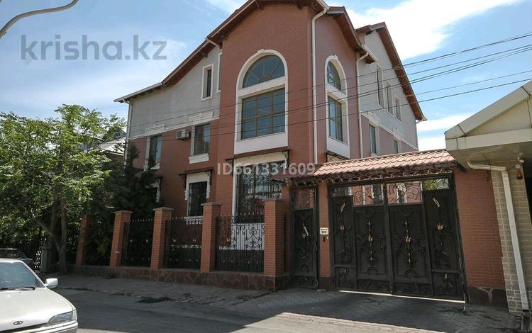 16-комнатный дом, 600 м², 6.5 сот., мкр Шапагат 205 за 110 млн 〒 в Шымкенте, Енбекшинский р-н