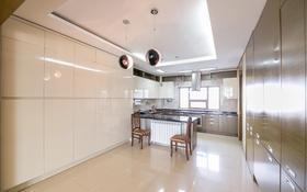 4-комнатная квартира, 201.7 м², 10/18 этаж, Байтурсынова за 115 млн 〒 в Нур-Султане (Астана), Алматы р-н