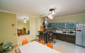 4-комнатная квартира, 136 м², 13/19 этаж, Кенесары 65 за 35.9 млн 〒 в Нур-Султане (Астана), р-н Байконур