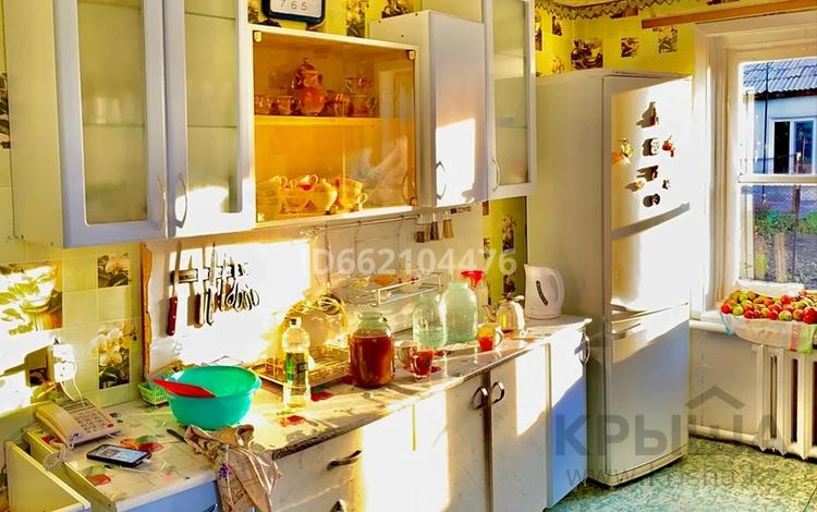 3-комнатный дом, 83 м², 8 сот., Железодорожная 8 — Садовая за 5 млн 〒 в Рудном