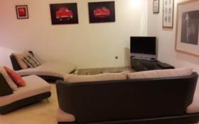 4-комнатная квартира, 160 м² помесячно, проспект Абылай хана 87 — Кабанбай батыра за 500 000 〒 в Алматы, Алмалинский р-н