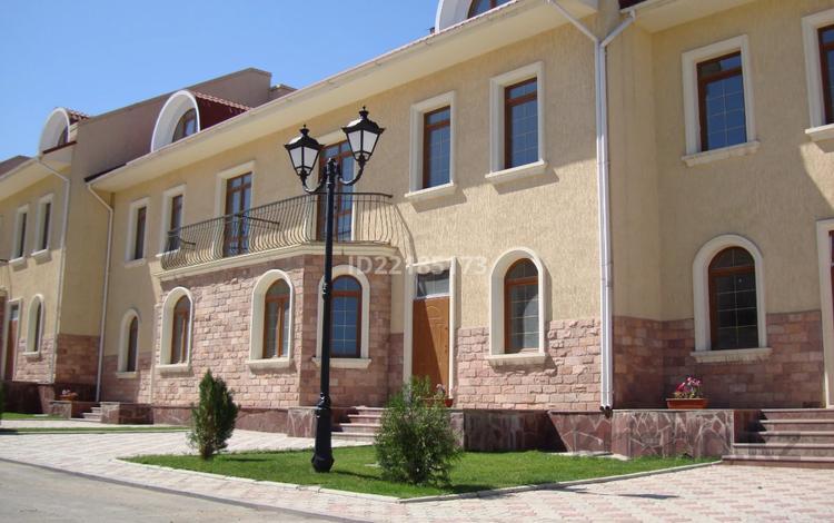 5-комнатная квартира, 354 м², мкр Каргалы, Рыскулбекова 19 за 130 млн 〒 в Алматы, Наурызбайский р-н
