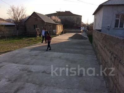 4-комнатный дом, 10 м², 10 сот., Мкр 112 3 за 21 млн 〒 в Шымкенте