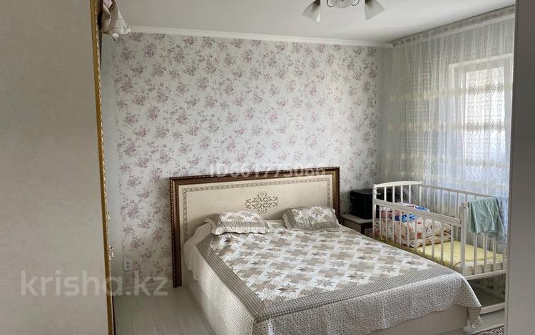 2-комнатная квартира, 70 м², 11/16 этаж, мкр Таугуль, Навои 37 — Жандосова за 35 млн 〒 в Алматы, Ауэзовский р-н