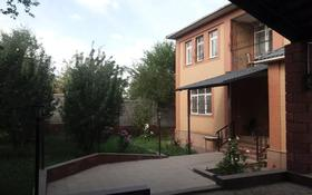 7-комнатный дом помесячно, 440 м², 10 сот., мкр Баганашыл, Байшещек за 600 000 〒 в Алматы, Бостандыкский р-н