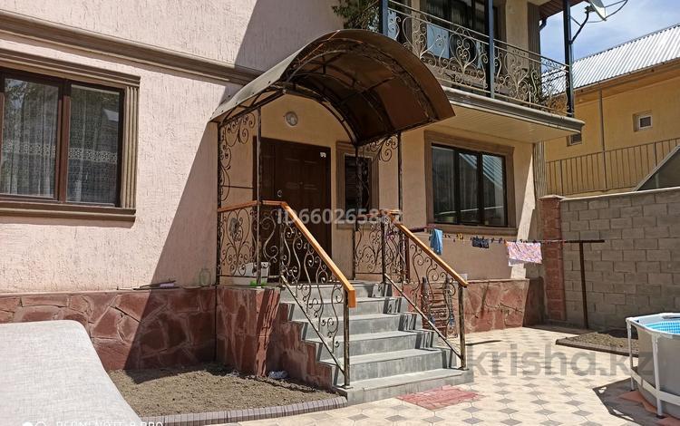 13-комнатный дом, 360 м², 6 сот., мкр Тастак-2 30 — Брюллова за 120 млн 〒 в Алматы, Алмалинский р-н