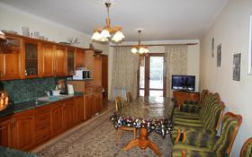 4-комнатный дом, 292 м², 8.87 сот., мкр Нурлытау (Энергетик), Новая за 140 млн 〒 в Алматы, Бостандыкский р-н