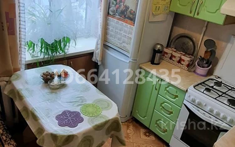 2-комнатная квартира, 42 м², 2/5 этаж, Кубеева 8 за 12.2 млн 〒 в Костанае
