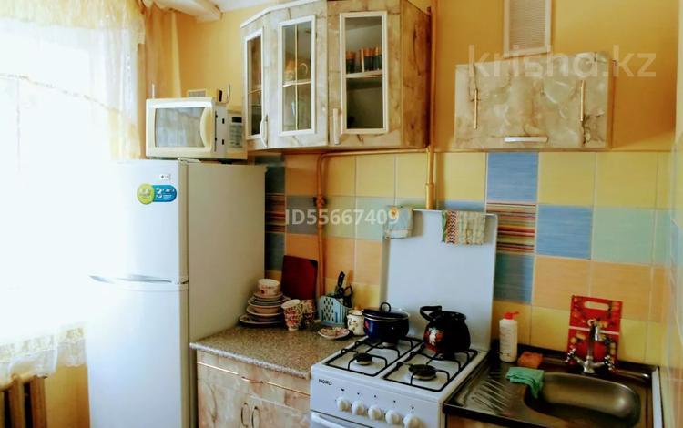 1-комнатная квартира, 35 м², 1/5 этаж посуточно, Назарбаева 222 — Алмазова за 5 000 〒 в Уральске