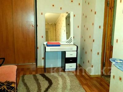 3-комнатная квартира, 84 м², 3/9 этаж посуточно, Казахстан 68 — Микен за 13 000 〒 в Усть-Каменогорске — фото 3