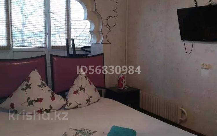 2-комнатная квартира, 54 м², 2/5 этаж посуточно, 12-й мкр 13 за 6 000 〒 в Актау, 12-й мкр