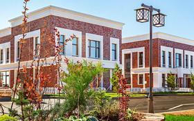 4-комнатная квартира, 250.2 м², Зейна Шашкин 20 за ~ 98.2 млн 〒 в Нур-Султане (Астана), Есиль р-н