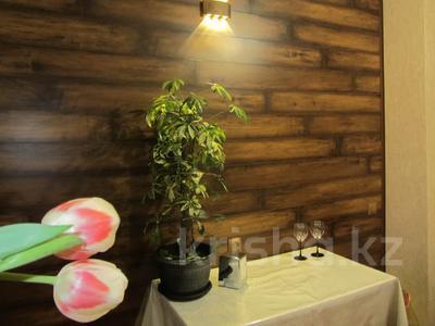 1-комнатная квартира, 40 м², 2/9 этаж по часам, Кабанбай Батыра — Ауэзова за 1 500 〒 в Алматы, Алмалинский р-н — фото 3