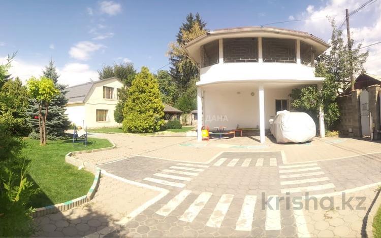 8-комнатный дом, 450 м², 11 сот., мкр Хан Тенгри, Мкр Хан Тенгри за 73 млн 〒 в Алматы, Бостандыкский р-н