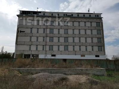 Здание, площадью 8742 м², Центральная 1 за 340 млн 〒 в