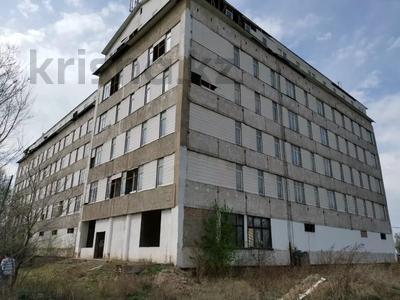 Здание, площадью 8742 м², Центральная 1 за 340 млн 〒 в  — фото 2