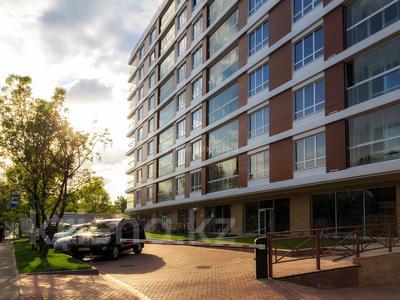3-комнатная квартира, 100 м², 5/10 этаж, Кабанбай Батыра за 70 млн 〒 в Алматы, Медеуский р-н — фото 13