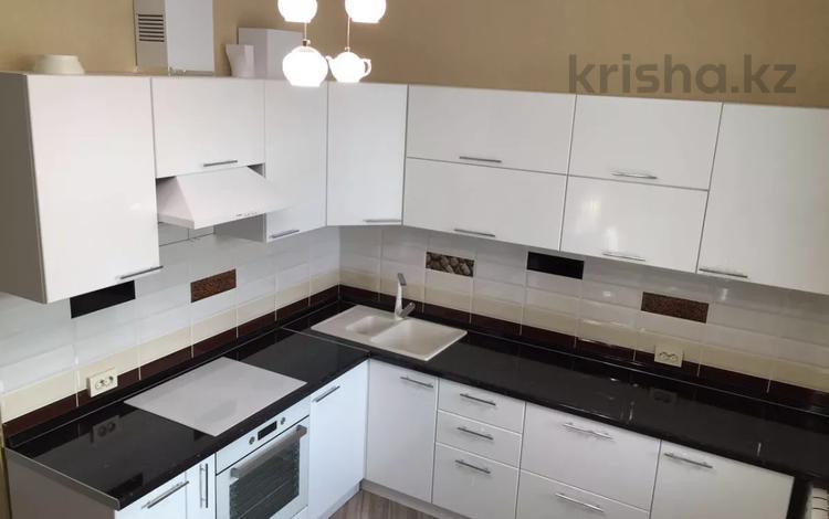 2-комнатная квартира, 74 м², 7 этаж помесячно, проспект Мангилик Ел 50 за 150 000 〒 в Нур-Султане (Астана), Есильский р-н