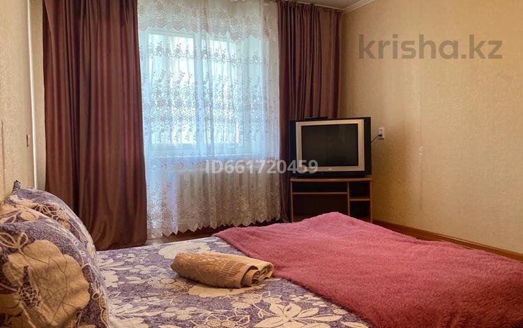 1-комнатная квартира, 35 м², 4/6 этаж посуточно, Братьев Жубановых 288/1 за 6 000 〒 в Актобе, мкр 8