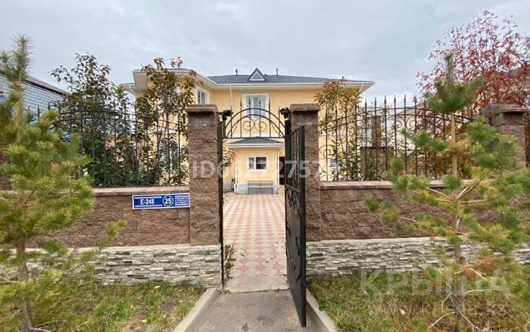 9-комнатный дом, 306 м², 10 сот., Е 248 25 за 180 млн 〒 в Нур-Султане (Астане), Есильский р-н