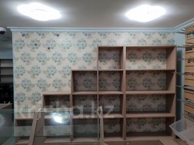 Магазин площадью 40 м², Азаттык 67 — Магазин Шкатулка за 18 млн 〒 в Атырау — фото 3