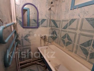 1-комнатная квартира, 31 м², 2/5 этаж, мкр Юго-Восток, Муканова 16 за 10.6 млн 〒 в Караганде, Казыбек би р-н