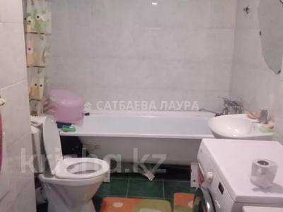 2-комнатная квартира, 65 м², 2/16 этаж, мкр Шугыла — Жуалы за ~ 14 млн 〒 в Алматы, Наурызбайский р-н — фото 4
