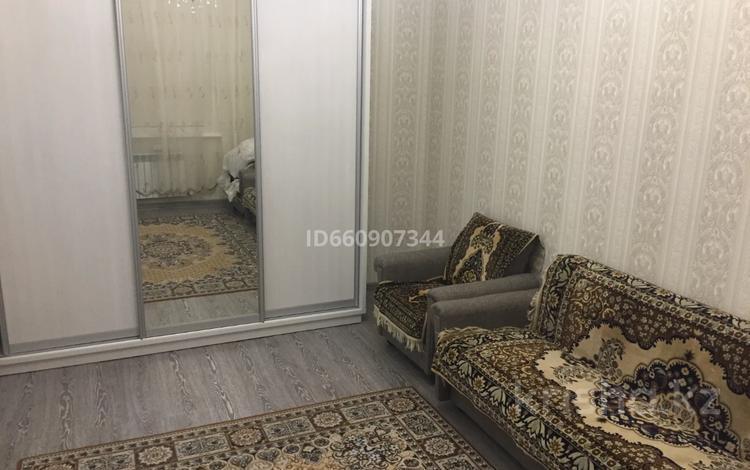 1-комнатная квартира, 38 м², 2/6 этаж помесячно, Кабанбай Батыра за 130 000 〒 в Нур-Султане (Астана), Есиль р-н