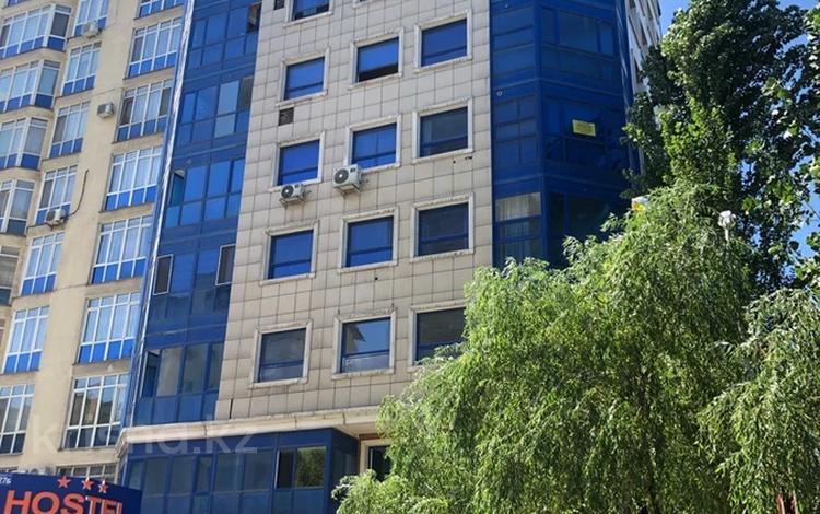 1-комнатная квартира, 34 м², 3/9 этаж, мкр Аксай-1А 28а — Толе би за 9.5 млн 〒 в Алматы, Ауэзовский р-н