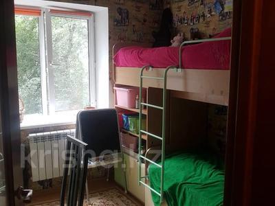 4-комнатная квартира, 68 м², 2/5 этаж, мкр Мамыр, Жандосова — Яссауи за 25.4 млн 〒 в Алматы, Ауэзовский р-н