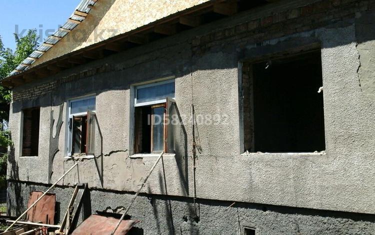 Недостроенный дом с участком за 20 млн 〒 в Байтереке (Новоалексеевке)