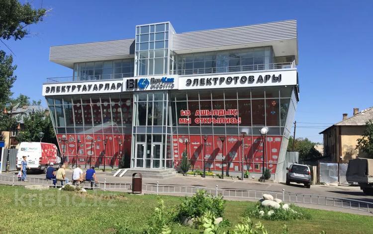 Здание, Райымбека 251/1 площадью 1000 м² за 3 000 〒 в Алматы, Жетысуский р-н