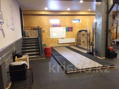 Здание, Кирпичная 42 площадью 490 м² за 1 млн 〒 в Караганде, Казыбек би р-н — фото 2