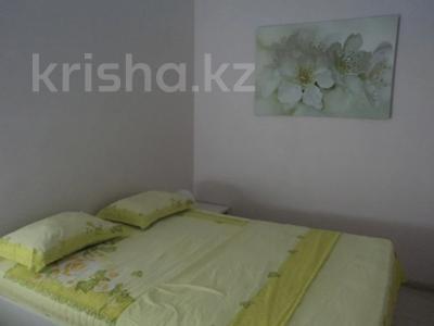 2-комнатная квартира, 56 м², 12/18 этаж посуточно, Навои 208 — Торайгырова за 14 990 〒 в Алматы, Бостандыкский р-н