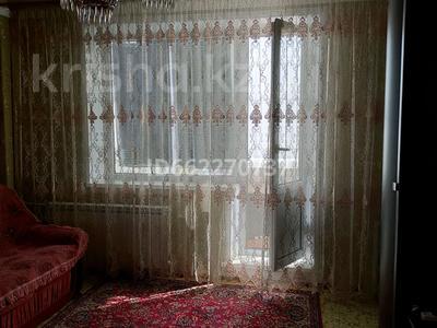 3-комнатная квартира, 61 м², 4/6 этаж, улица Камзина 24 за 8.5 млн 〒 в Аксу