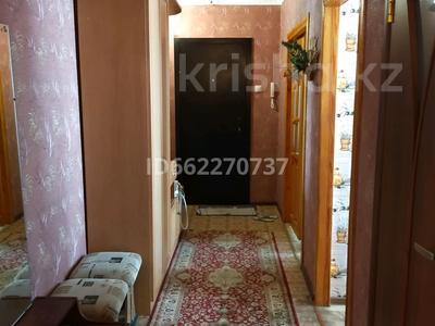 3-комнатная квартира, 61 м², 4/6 этаж, улица Камзина 24 за 8.5 млн 〒 в Аксу — фото 4