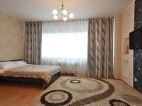 1-комнатная квартира, 60 м² посуточно, Достык 5 за 10 000 〒 в Нур-Султане (Астане), Есильский р-н